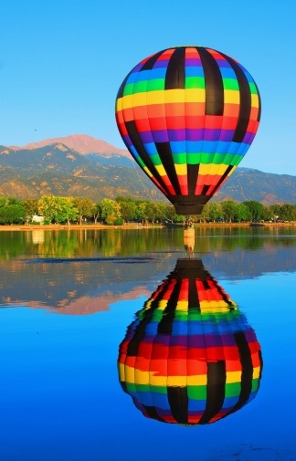 Hot air balloon with reflection